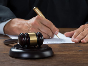 Международный арбитраж - международное право.