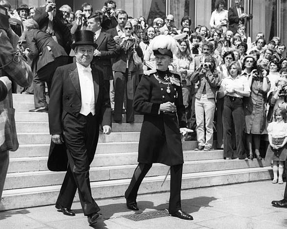 Американский посол в Лондоне, г-н Кингман Брюстер, 1977