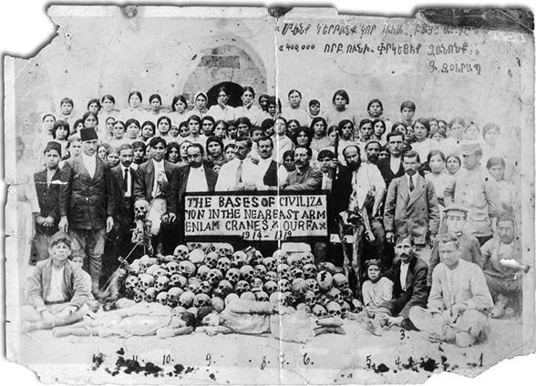 Геноцид армян. Похороны жертв в г. Урфа.