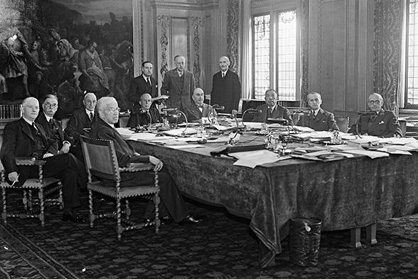 Последняя сессия Постоянной палаты международного правосудия. Женева. Октябрь 1945 г.